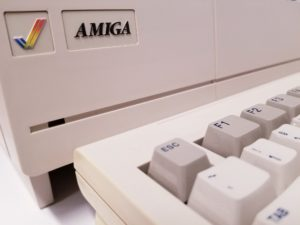 Amiga 1000 - NTSC model. Picture courtesy of Merrill Newell‎